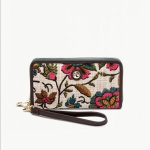 Spartina 449 wallet in Eliza Floral pattern